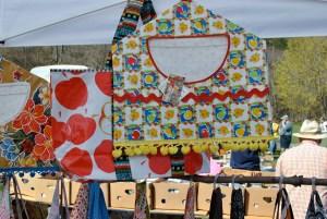 vintage oilcloth floral clothespin bag
